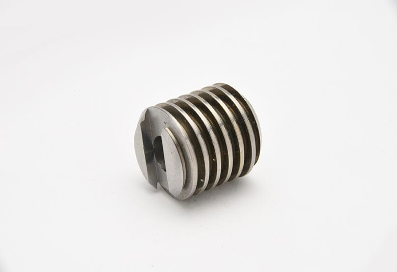 Ray Precision Threadrolling threaded parts